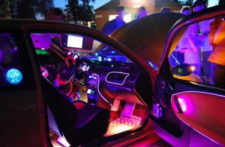 LED-подсветка салона разных цветов
