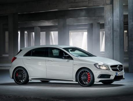 Фото Mercedes-Benz A45 AMG