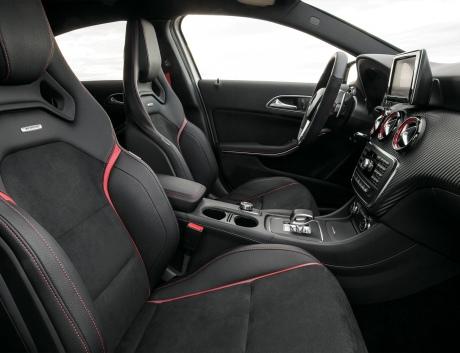 Салон Mercedes-Benz A45 AMG