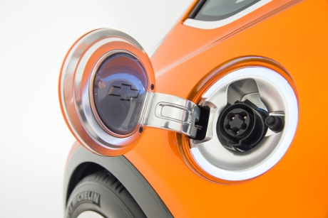 Розетка на Chevrolet Bolt EV